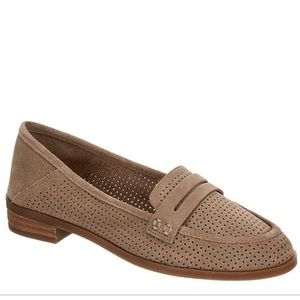 Lucky brand tan suede caylon perforate loafer flag